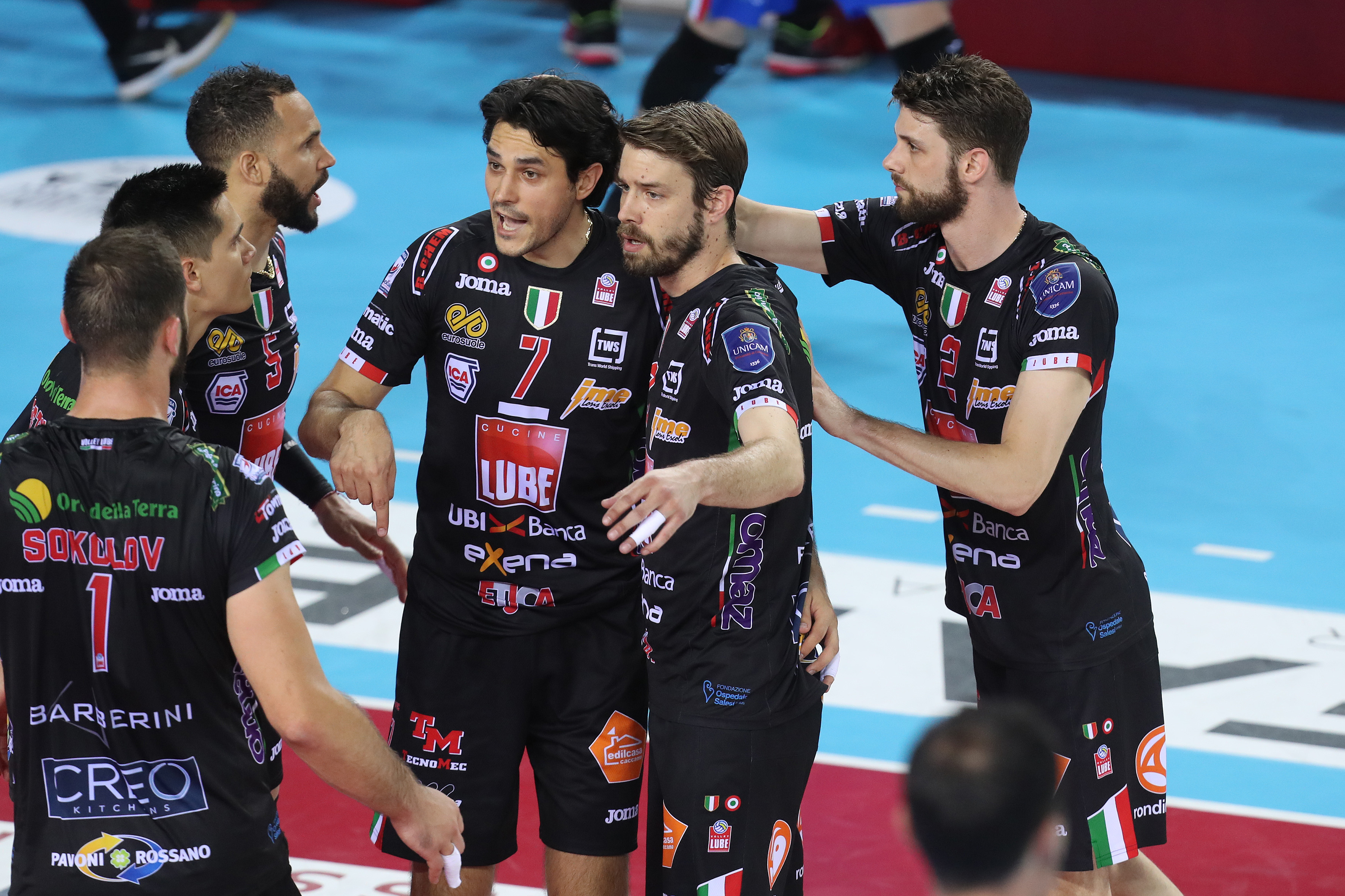 Volley, finale scudetto: Perugia-Civitanova 3-0. Scudetto Sir Safety!